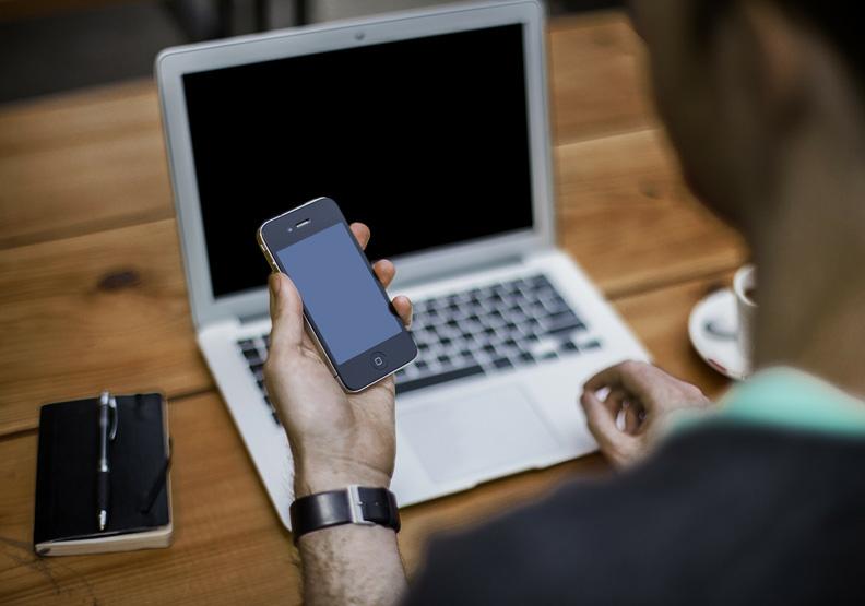 放好幾個月無薪假,是否算是終止僱傭關係?