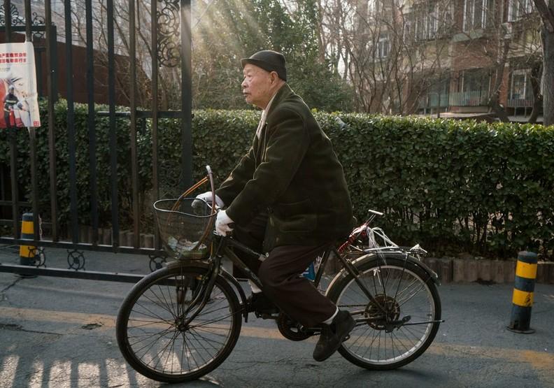 獨居老人的告白:「我可以照顧自己、沒有慢性病,只希望有人陪伴。」
