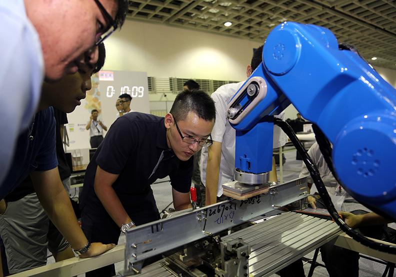 牛津研究:2030年機器人將取代2000萬個製造業工作