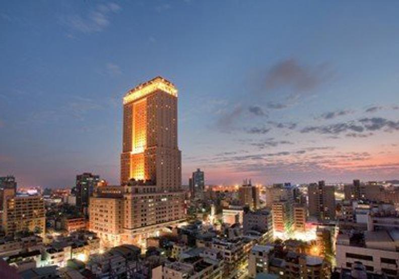 高雄旅館四年少賣10萬間房 新飯店打對折也難賣