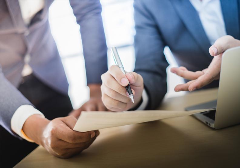 企業採行雙首長制的原因