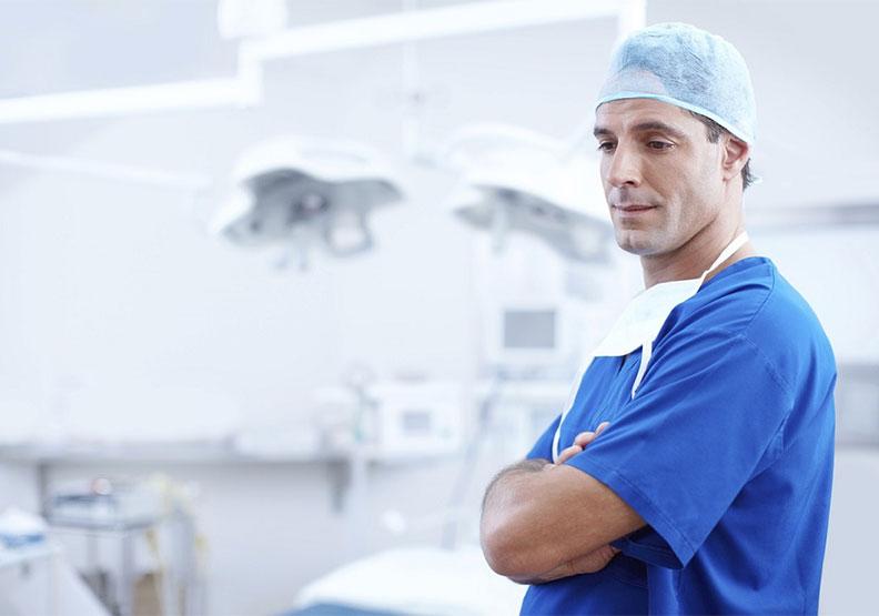 超時工作、擔心被家屬告,醫生真的是一份好工作嗎?