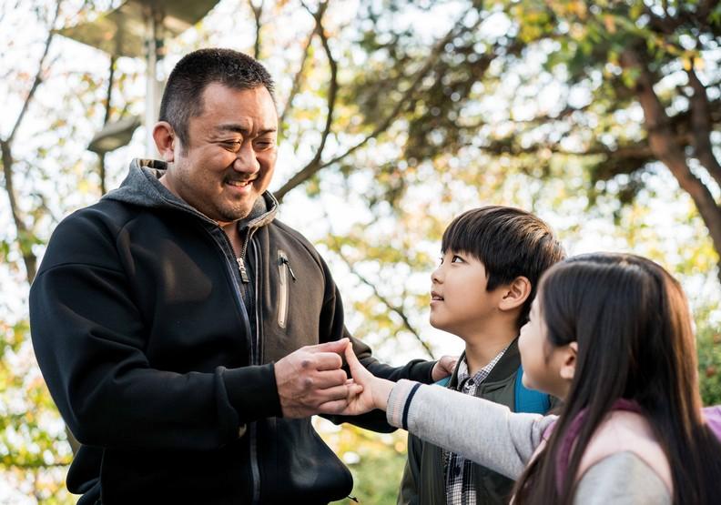 《冠軍大叔》:馬東石,史上最溫柔的臂力怪物