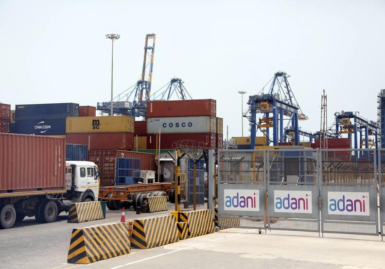 印度港口之王揭祕 阿達尼憑什麼要九成國貿埋單?