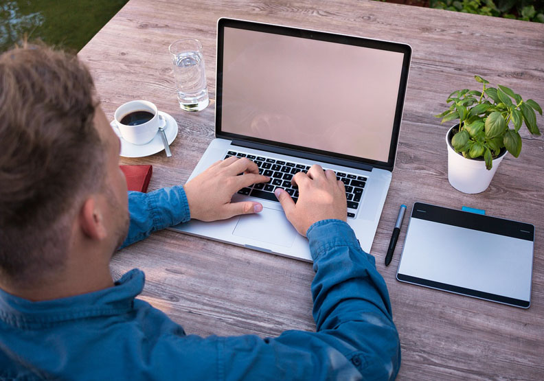 新世代「數位力」優勢 36%前輩備受威脅
