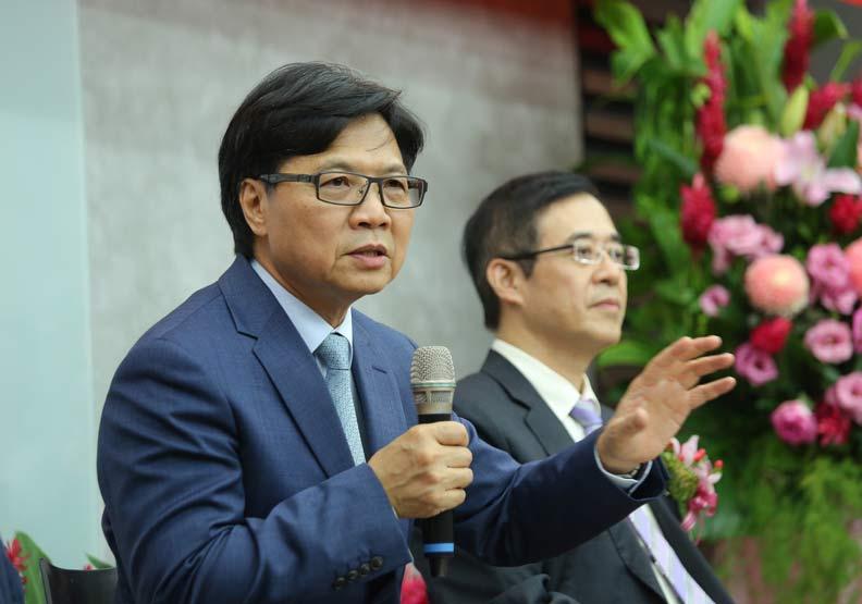 一個台大校長換了三個教育部長...葉俊榮閃辭獲准