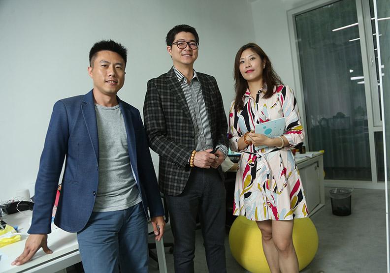 三個台灣精英飆點子  將宏碁智慧佛珠賣到翻