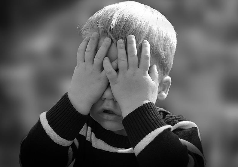 被迫長大的小孩:苦在起跑點,更能贏在終點?