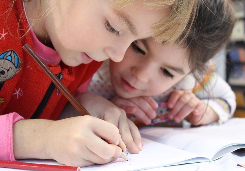 考試壓迫了孩童?「世界的教育部長」揭4種教育目的