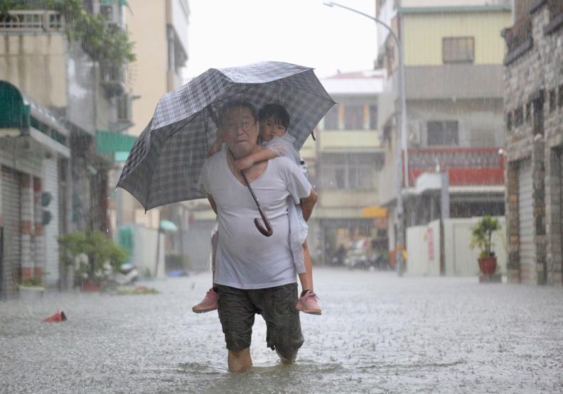 「璨樹颱風」爆炸性增強!台灣挺得住比莫拉克更兇的小鋼炮?