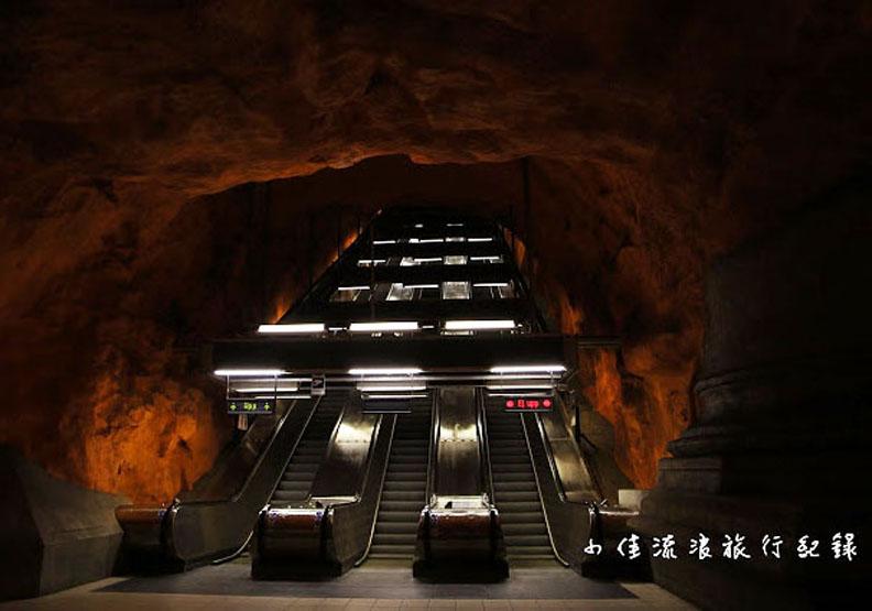 世界最美地鐵站,竟像是地獄的入口?