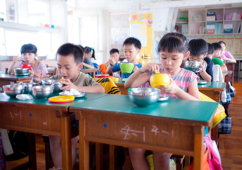 校園新現象!中小學老師集體拒當「午餐秘書」