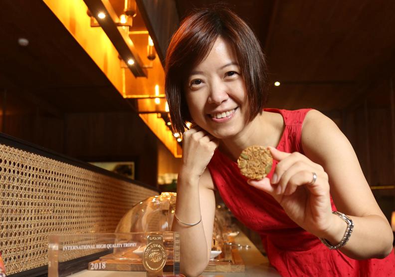 黃淑君用三個挑剔  跨界打造「晶圓餅乾」