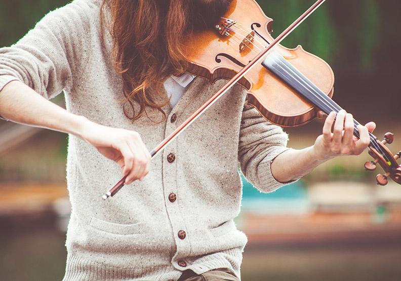 學樂器好處多,但長大後才學來得及嗎?