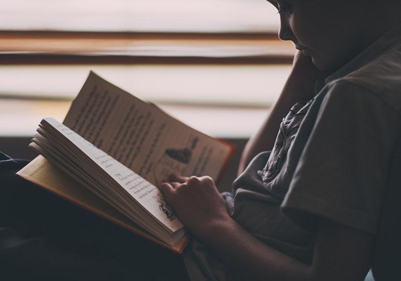 5種閱讀法:托爾斯泰說其中一種有負面後遺症...