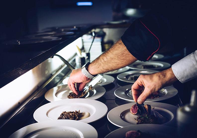 中世紀英國料理:「垃圾」與「堆肥」也可以吃?