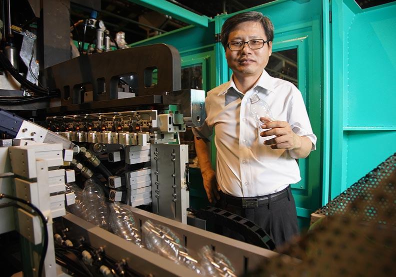 台灣拉吹瓶機龍頭 銓寶啟動數十項智慧工程