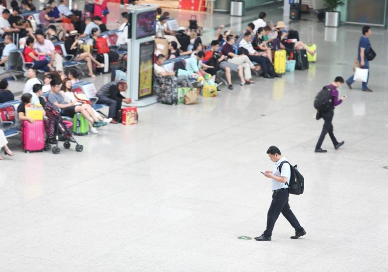 路透調查:中國今年經濟成長6.2%,30年新低