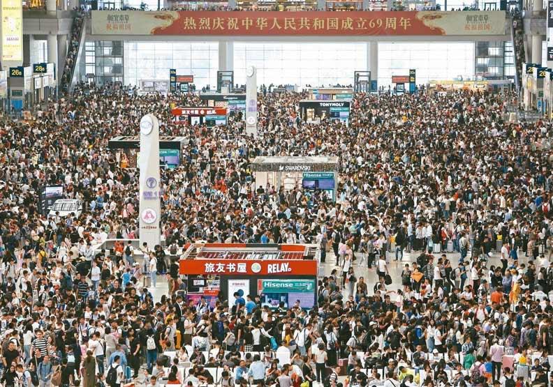 中國長輩不帶錢包出國?「60後」行動支付人數暴增9成