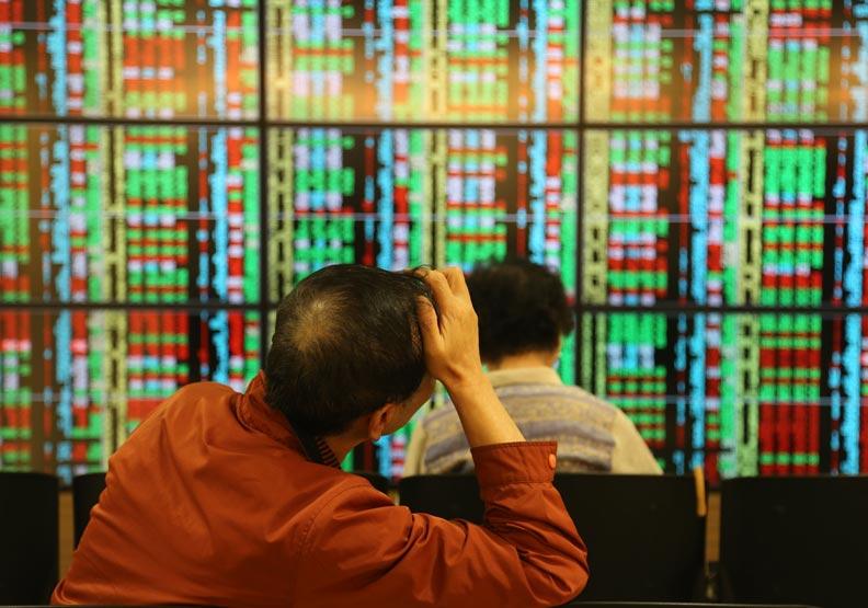 全球股災!台股跌破萬點 這類股首當其衝
