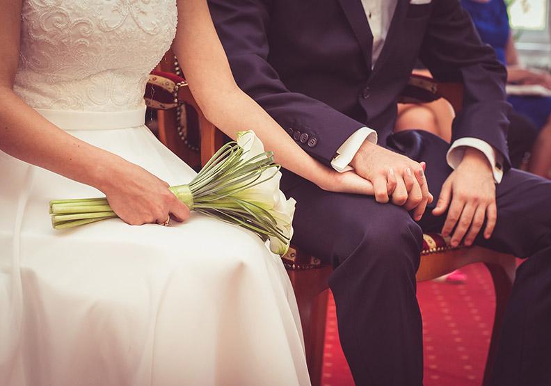 夫妻真正的釋懷:即使新婚做不到,頭髮白了也能偕老