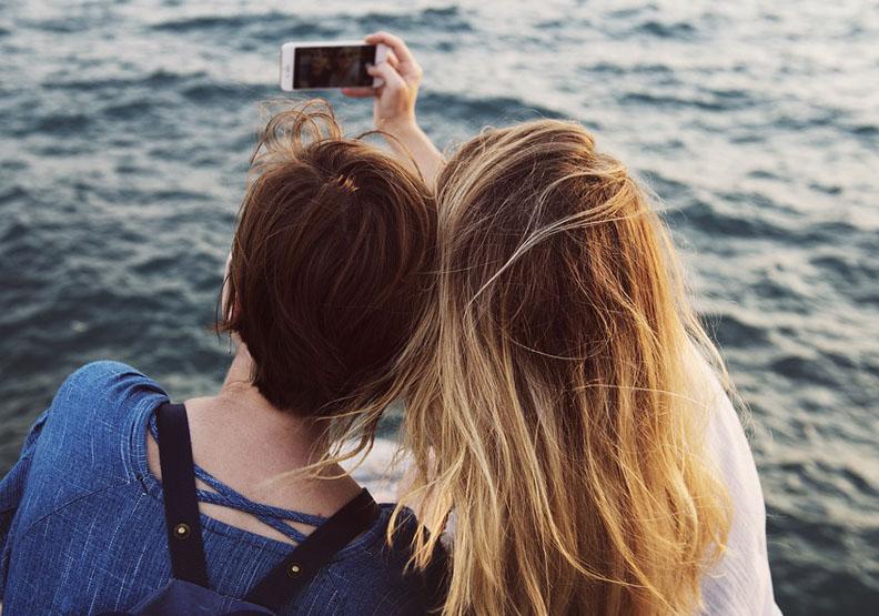 研究公布:人通常有多少好朋友?