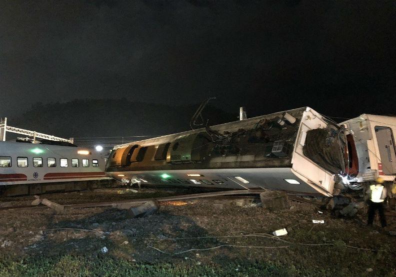 普悠瑪列車首次嚴重出軌 台鐵近年重大事故看這裡