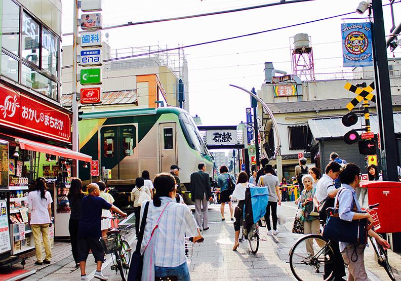 東京最長商店街:從生到死,這條街都能包辦