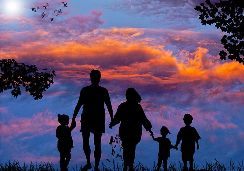 怕我們的成功,追不上父母老去的速度