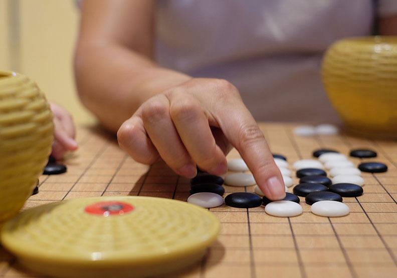 打敗頂尖棋士的AlphaGo,為何不能成為圍棋之神?