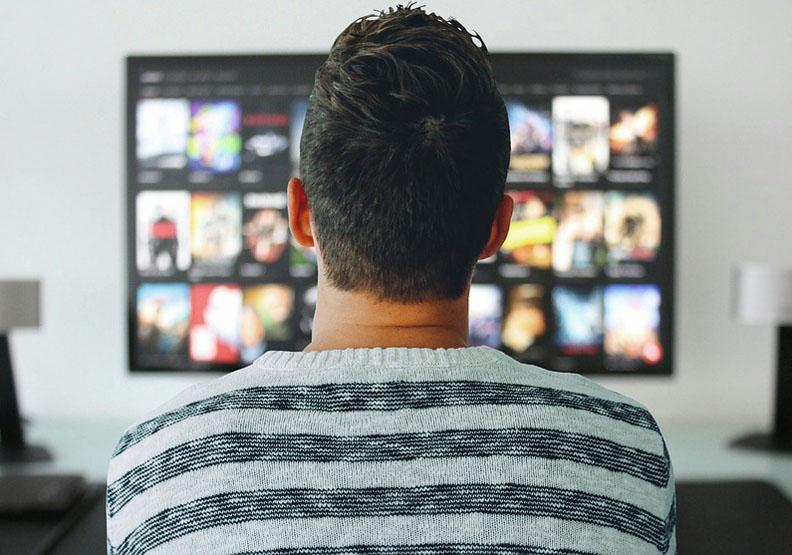 解析電視電影史!電視一開始是遠距聊天的?