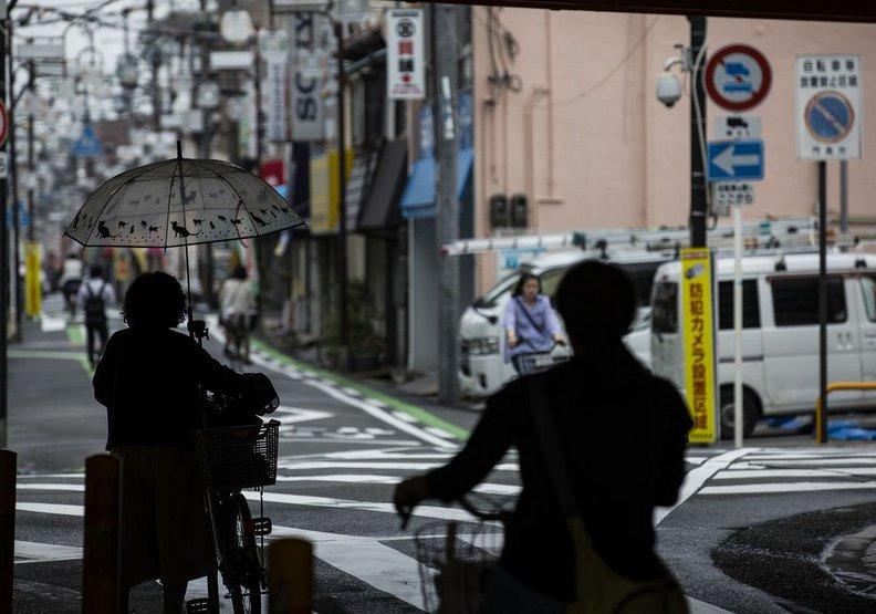 怎麼賺錢也沒有未來?日本社會的窮忙悲歌