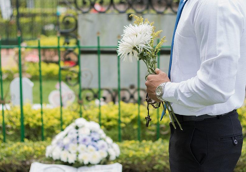 葬儀界第一線接體實錄:躺冰櫃的體驗