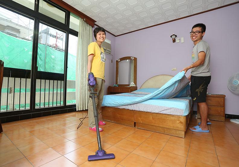 港人夫妻來台二度創業 改造台南老屋開民宿