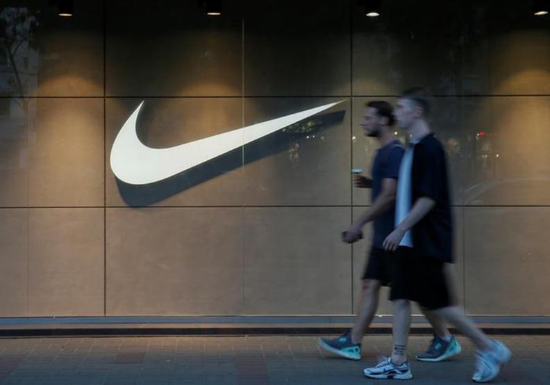 Nike吸引年輕人股價創新,UA仍陷低潮徘徊