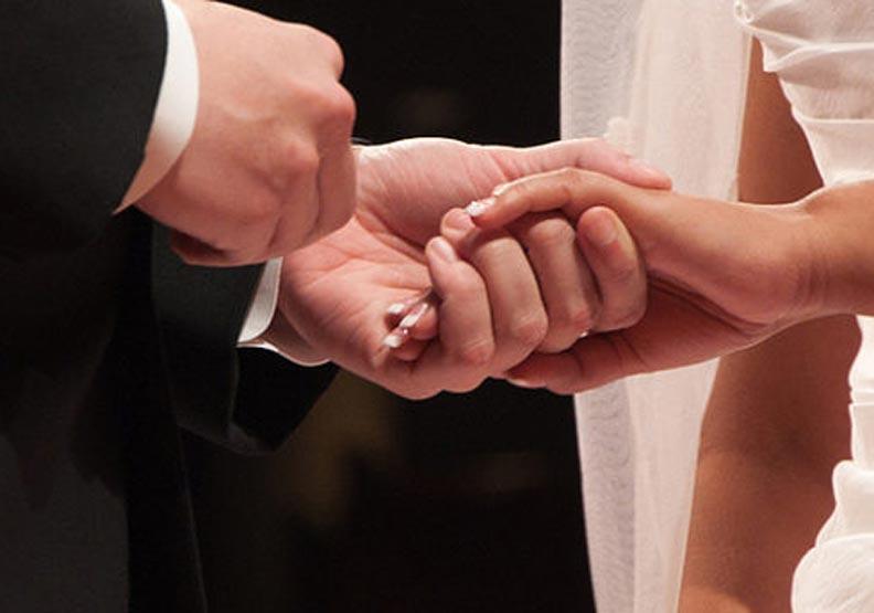 還沒找到另一半嗎?研究指出網路促成的婚姻更滿意