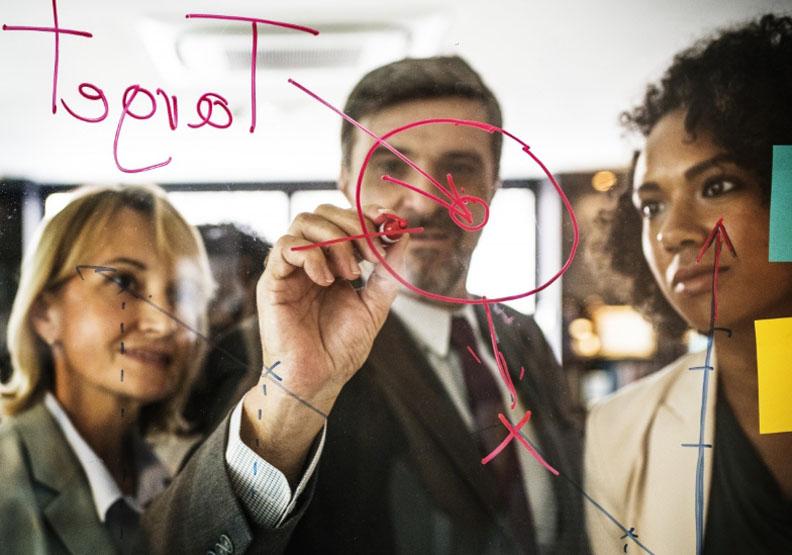 憑什麼老闆的薪資是員工的上百倍?