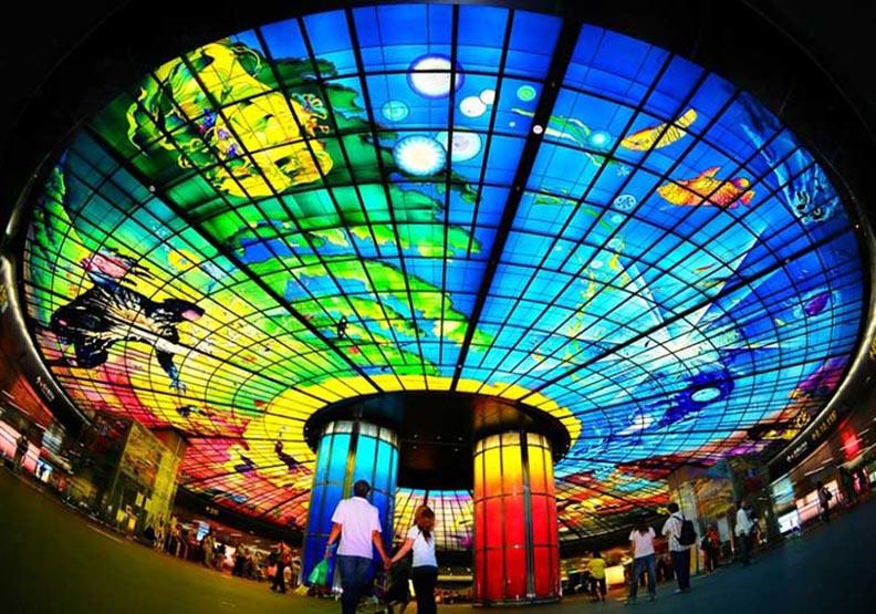 盤點全球特色地鐵裝飾:高雄美麗島捷運站也上榜!