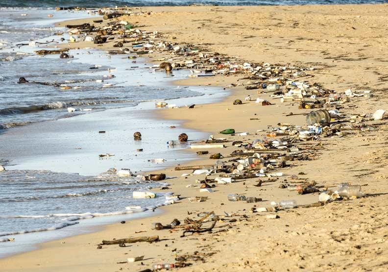 一箭雙鵰!普渡大學團隊成功將塑膠廢料轉為燃料
