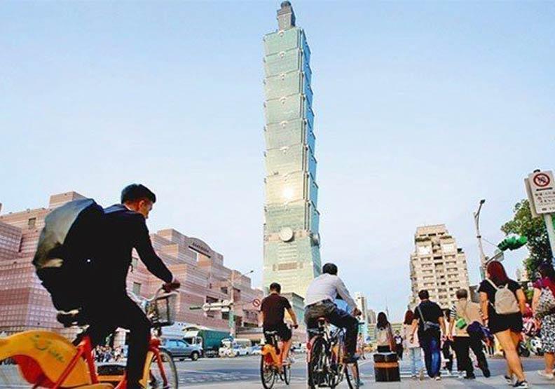 20年都在鬼混?看看台灣錯過什麼發展機會