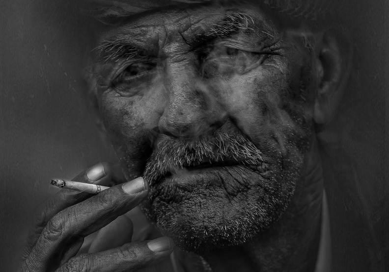 只有人瑞才能吸菸!夏威夷擬立法將抽菸年齡提高至百歲