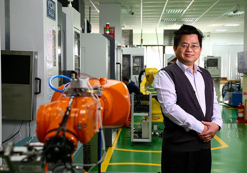 機械是工業之母 往各行業發展都吃香