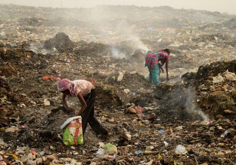 科技墳場的悲歌:你淘汰的手機成了環境汙染惡夢