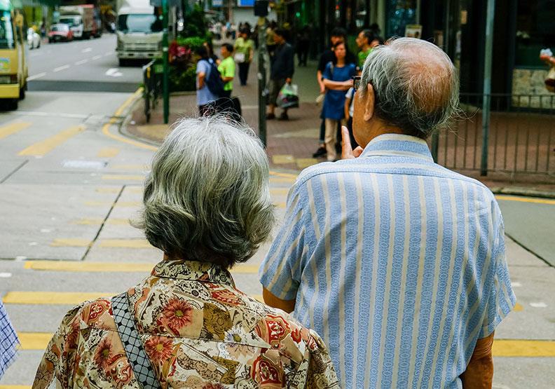 長壽就是幸福?日本國寶劇作家給社會的震撼彈