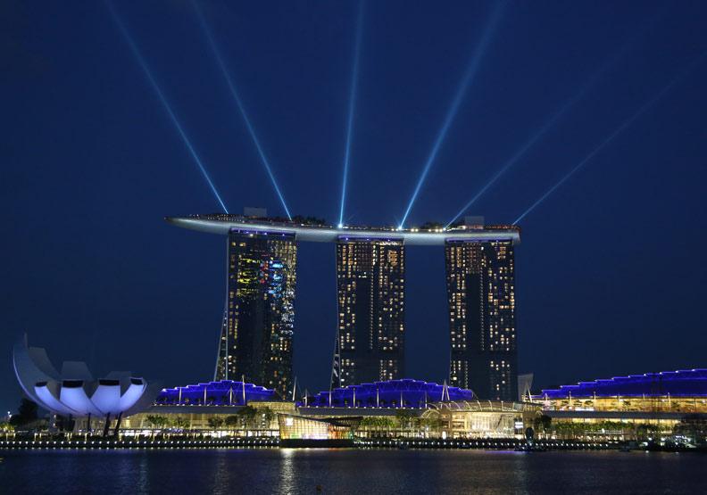 台、星FinTech同時起跑 新加坡憑什麼衝上世界第一?