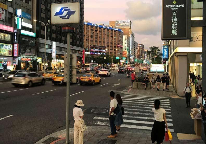 東區空店率高達15.6%......關店數量倍增要如何翻身?