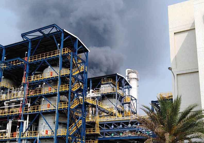 台塑麥寮六輕廠區氣爆起火 疑因液化石油氣管破裂