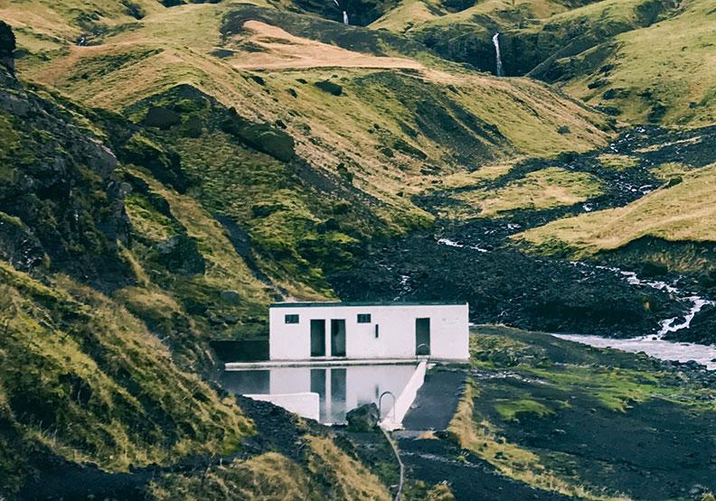 最真實的冰式日常:冰島人去泳池是要泡溫泉的?