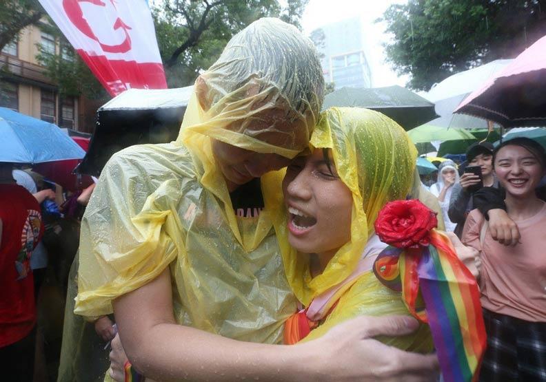 亞洲第一同婚專法過關   524後同志可「結婚登記」
