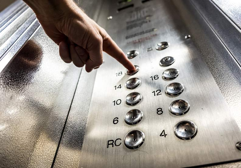 電梯裡遇見主管給出好印象,「雜談力」練起來!